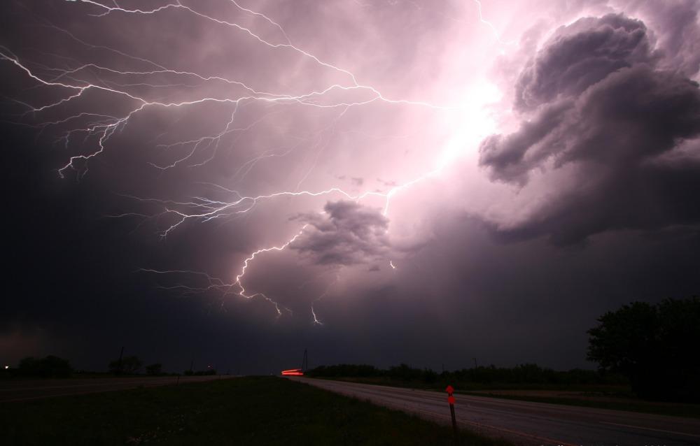 Shock_lightning-1056419_1920.jpg
